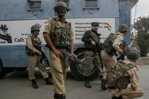 indian police arrest over 500 for delhi communal violence