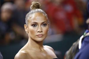 jennifer lopez breaks her silence on oscars snub for hustlers: i felt like i let ...