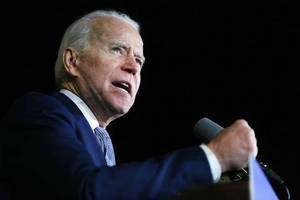 big-ticket hollywood donors favor biden but sanders still leads in industry-wide fundraising