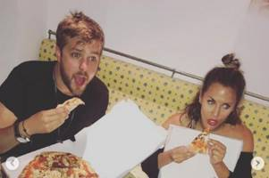 iain stirling pays heartbreaking tribute to caroline flack after love island star laid to rest