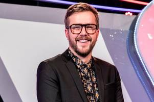 love island's iain stirling postpones comedy gigs as he is  'under the weather'