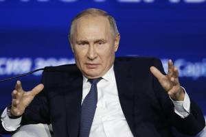 global turmoil prompted putin to change mind over running again