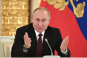 russian court backs putin presidential 'reset' plan