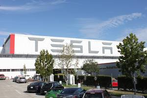 tesla is shutting down its factory in california as the coronavirus pandemic intensifies and the san francisco bay area shelters in place (tsla)
