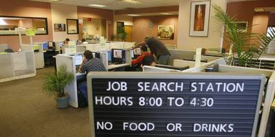 us jobless claims surge to 2-year high as unemployment spikes on coronavirus