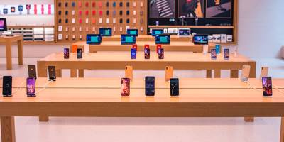 customers can't get their iphones back if they left them at an apple store before they closed amid the coronavirus pandemic (aapl)
