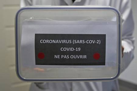how do you become infected with the coronavirus?