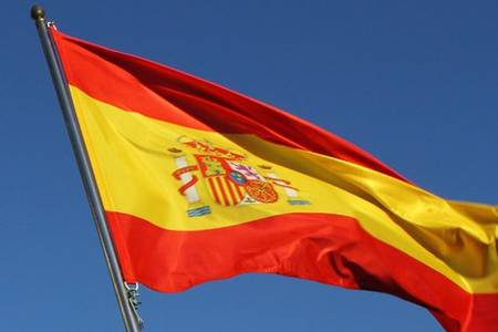 coronavirus cases top 33,000 in spain with death toll nearing 2,200