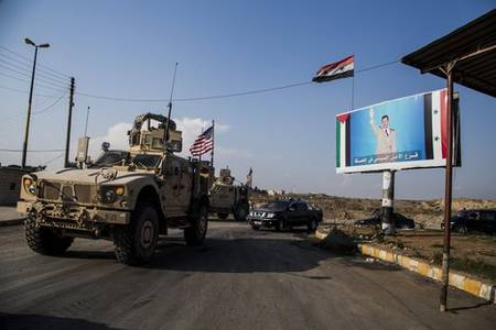 syrian army, residents block us military convoy in hasakah, force it to move back