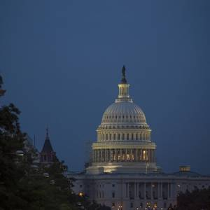 false claim of congressional pay raises in stimulus bill
