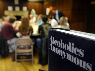 how i've been using free virtual alcoholics anonymous meetings to connect and stay sober while in covid-19 isolation