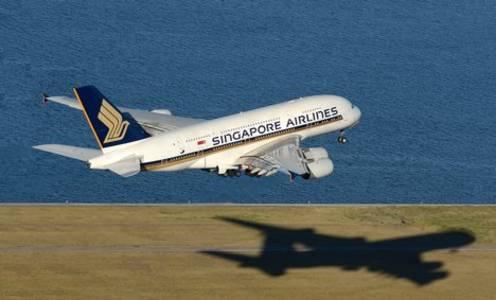 singapore airlines secures $13 bln lifeline