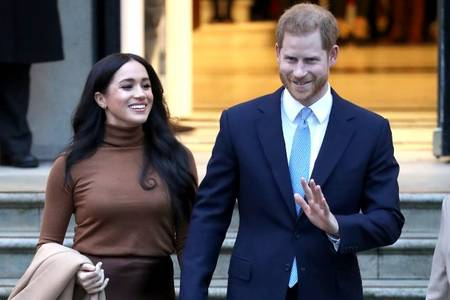 prince harry and meghan markle suspend use of sussex royal instagram account