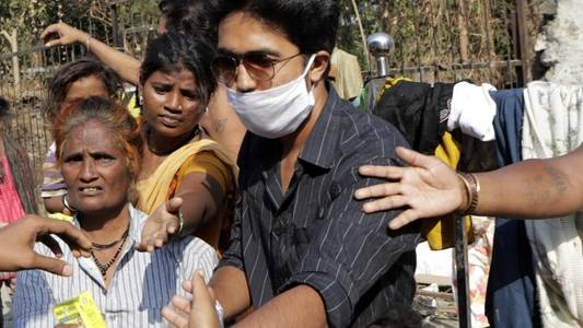 india's pm requests 'forgiveness' from poor over covid-19 lockdown
