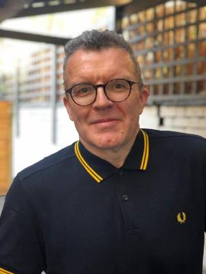 former labour mp tom watson named chair of uk music