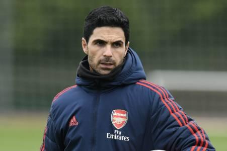 mikel arteta urged to build arsenal team around three players by rio ferdinand