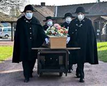 French brotherhood braves pandemic to bury the destitute