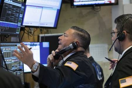 stock market down as it closes worst quarter since 2008