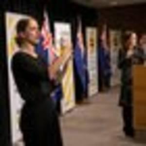 Covid 19 coronavirus: Jacinda Ardern gives sign language interpreters a well-deserved shoutout