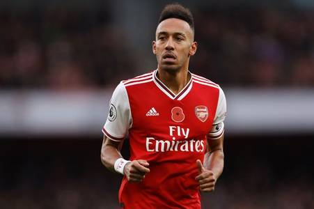Pierre-Emerick Aubameyang giving Arsenal 'headache' over contract decisions