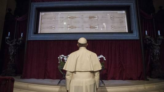 shroud of turin to be displayed before easter
