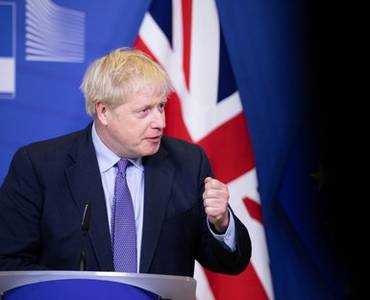 uk pm boris johnson admitted to hospital
