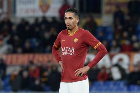 roma boss heaps praise on chris smalling amid arsenal and spurs transfer links