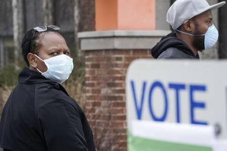 us state voting despite coronavirus threat to safety