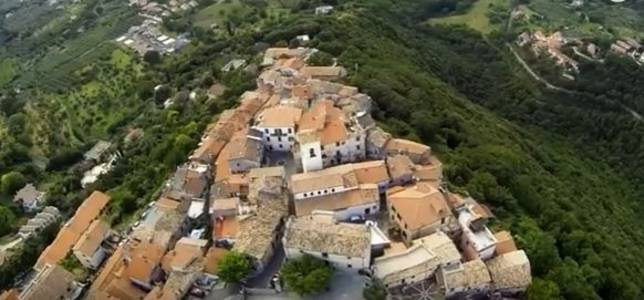 italian village turned into 'human laboratory' for covid-19 research